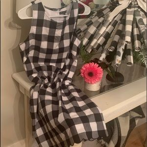 ADRIANNA PAPELL black/white checkered size6  dress